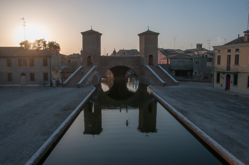 Comacchio - the three bridges [credit photo: Gianpiero Buonagurelli]